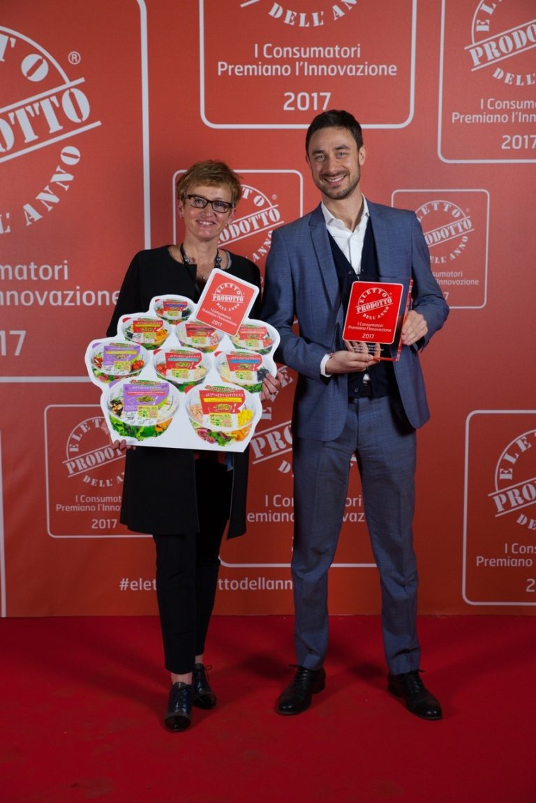 "DimmidiSì prepared salads win the ""Voted Product of the year 2017"" award"